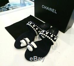 Chanel Thongs Sandals Pearl Flip Flops Velvet Navy Sz 40 -New With box&Authentic