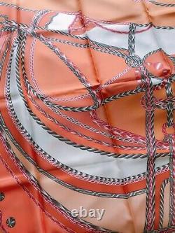 Authentique Foulard En Soie Hermès 90cm X 90cm Jamais Utilisé Avec Box