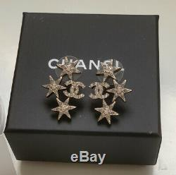 Boucles D'oreilles Chanel 2015 Edelweiss Cristal CC 3 Etoiles Argent Nouveau Dans La Boîte