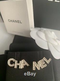 Lettre Authentique Chanel En Cristal D'or Boucles D'oreilles Automne 2020 Nouvelle Boxed