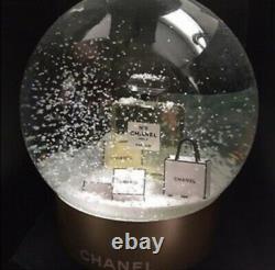 Nouveau Avec La Boîte Chanel No. 5 Snow Globe De Vacances Authentique