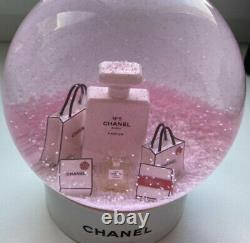 Nouveau Avecbox Chanel Holiday Snow Globeauthentic