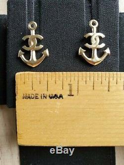 Nouveau Dans La Boîte (nib) Authentique D'or Chanel CC Anchor Boucles D'oreilles