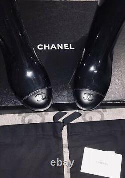Nouveau In Box 100% Authentique Chanel Black Short Boots Size 6 37 Patent CC Logo