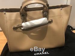 Nouvelle Authentique Chanel Deauville Cuir Beige Grand Panier 30cm! Aucune Boîte Jc